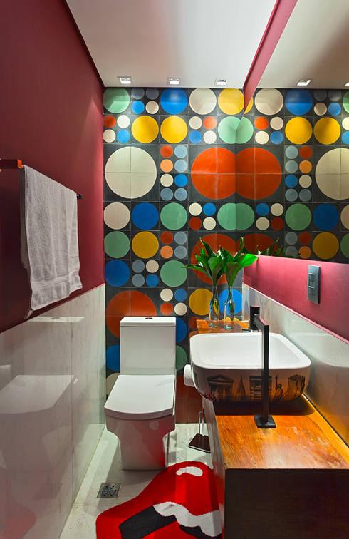 9 überraschende farbakzente für dein kleines badezimmer