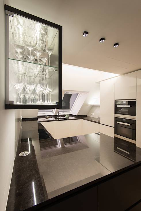 kleine k chen geschickt einrichten. Black Bedroom Furniture Sets. Home Design Ideas