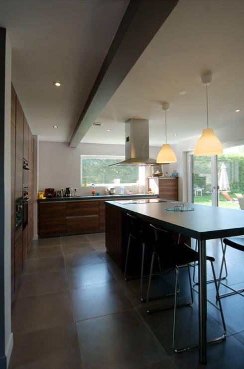 comment planifier l 39 am nagement d 39 une cuisine ouverte. Black Bedroom Furniture Sets. Home Design Ideas