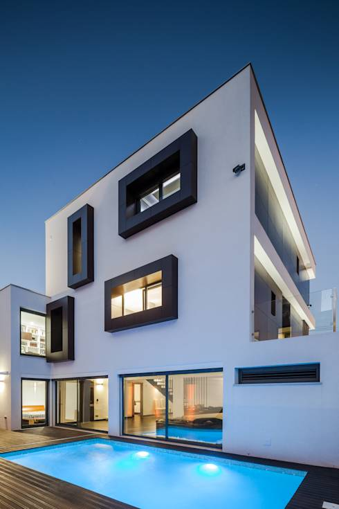 Una casa cuadrada muy bonita for Atelier arquitectura