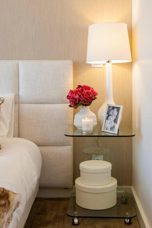 Recámaras de estilo moderno por Traço Magenta - Design de Interiores