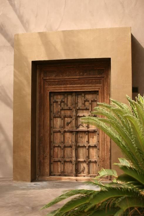 Puertas de madera para exterior 8 secretos for Puertas de madera maciza para exterior