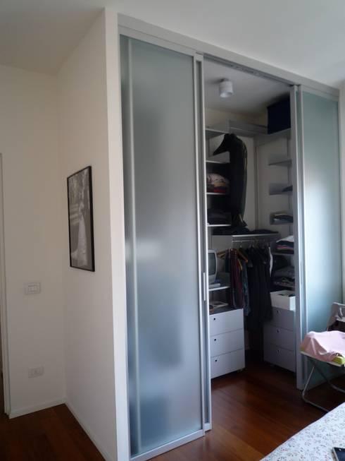 Closets modernos por Maria Chiara D'Amico Architetto