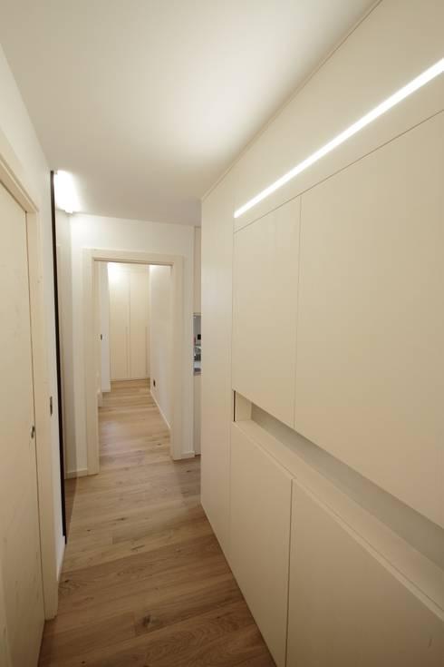 22 esempi eccezionali per l 39 ingresso e il corridoio - Mobili per corridoi ...