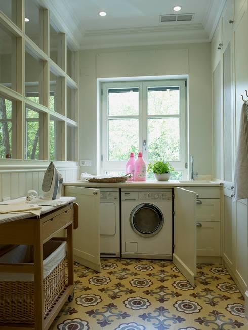 6 grandes ideas para que entre la lavadora en un ba o peque o for Diseno de muebles para cuarto de lavado