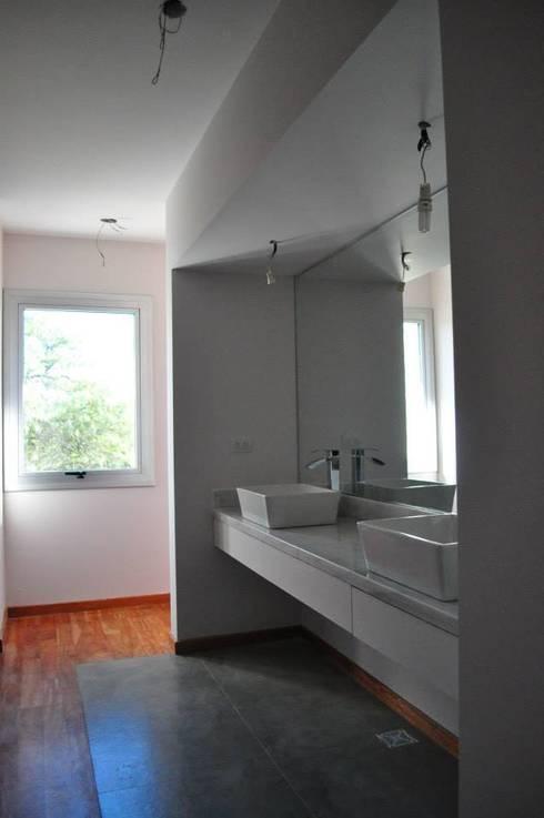 translation missing: eg.style.حمام.modern حمام تنفيذ LN-arquitectura