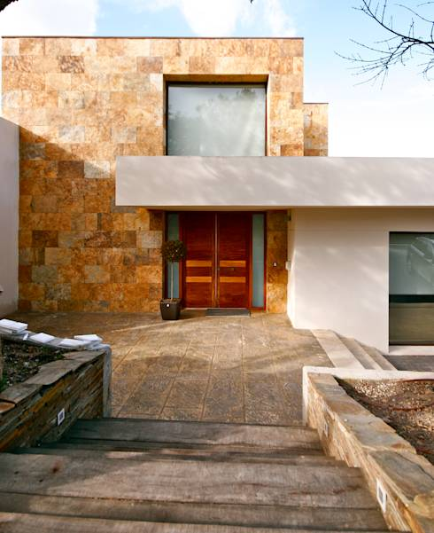 10 ideas modernas para recubrir la fachada de tu casa - Fachadas con azulejo ...