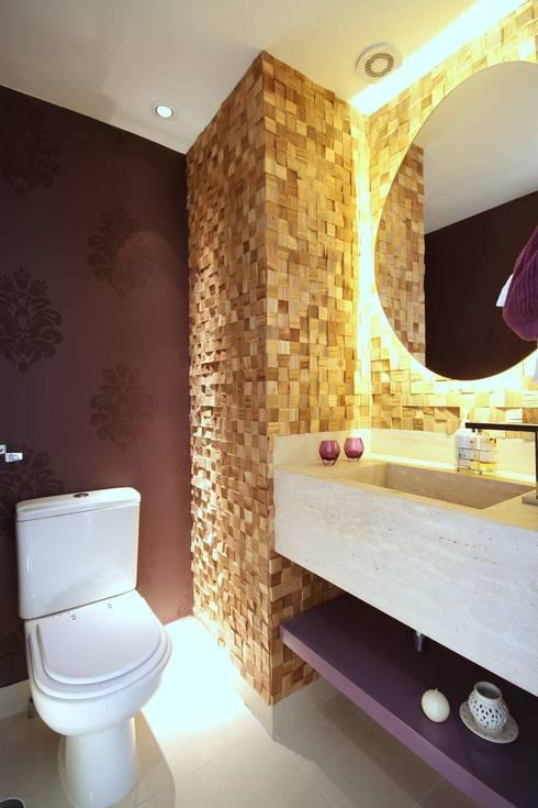 Campo Belo: Banheiros modernos por MeyerCortez arquitetura & design