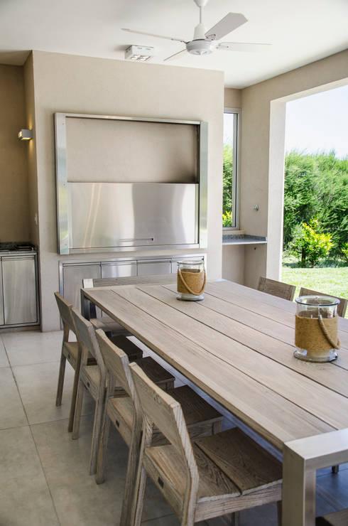 7 quinchos para disfrutar todo el a o for Casa minimalista con quincho