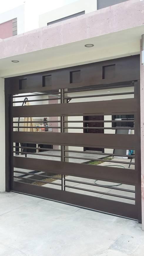 15 puertas de exterior que impresionar n a toda la cuadra - Puertas para cocheras electricas ...
