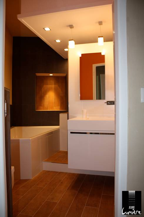 8 salles de bains color es for Logo salle de bain