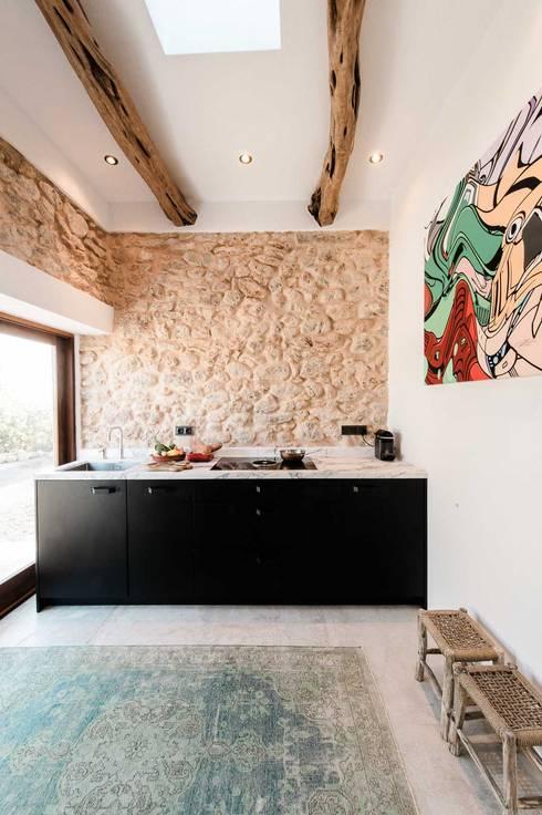 Кухни в translation missing: ru.style.Кухни.sredizemnomorskiy. Автор - Ibiza Interiors - Nederlandse Architect Ibiza