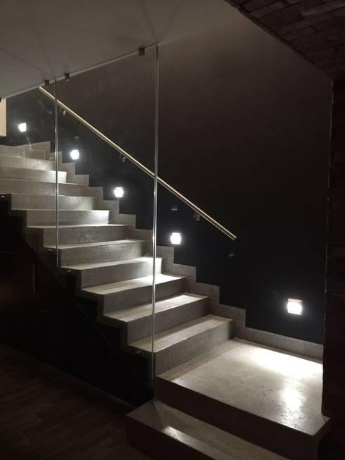 15 escaleras de concreto perfecta para casas modernas for Como hacer una escalera de concreto con descanso