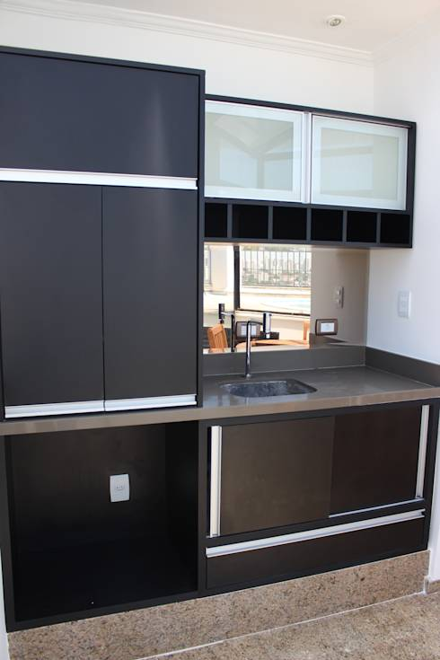 26 cucine piccole ma creative che ti ispireranno se hai. Black Bedroom Furniture Sets. Home Design Ideas