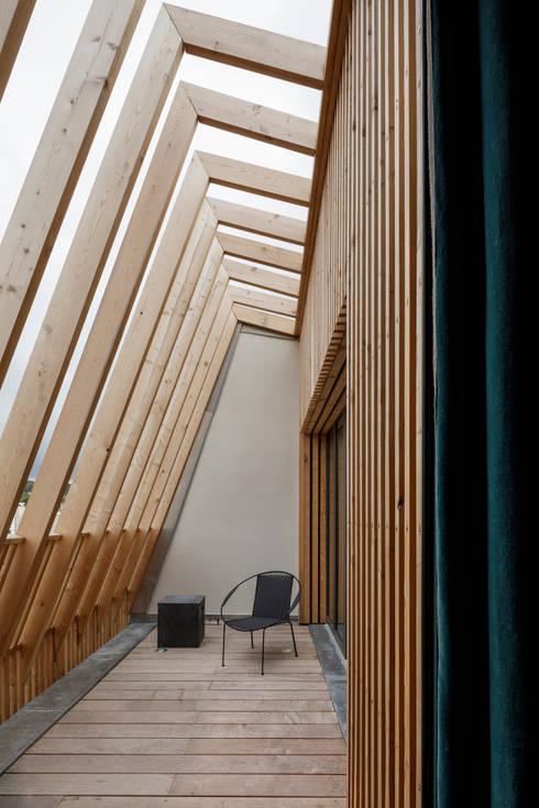 translation missing: de.style.terrasse.modern Terrasse von agnès&agnès architecture