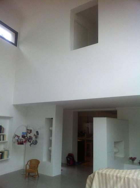 moderne Wohnzimmer von Eric Rechsteiner