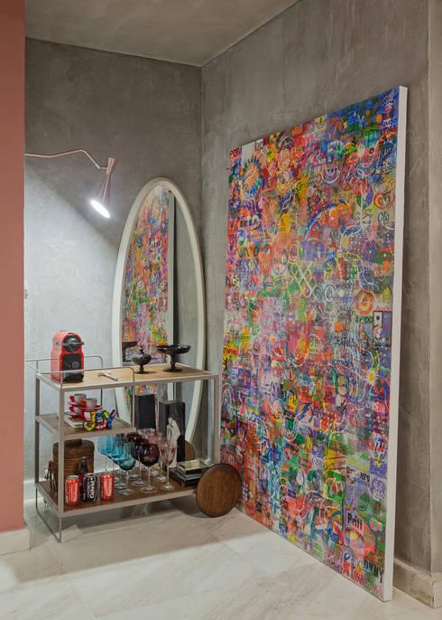 Bar: Salas de estar industriais por Jacqueline Ortega Design de Ambientes