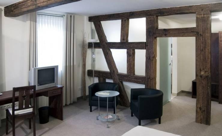 holzbalken von rustikal bis modern. Black Bedroom Furniture Sets. Home Design Ideas