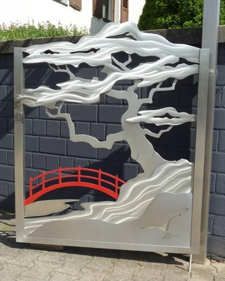 edelstahltore japanisches tor red bridge bonsai von edelstahl atelier crouse stainless. Black Bedroom Furniture Sets. Home Design Ideas