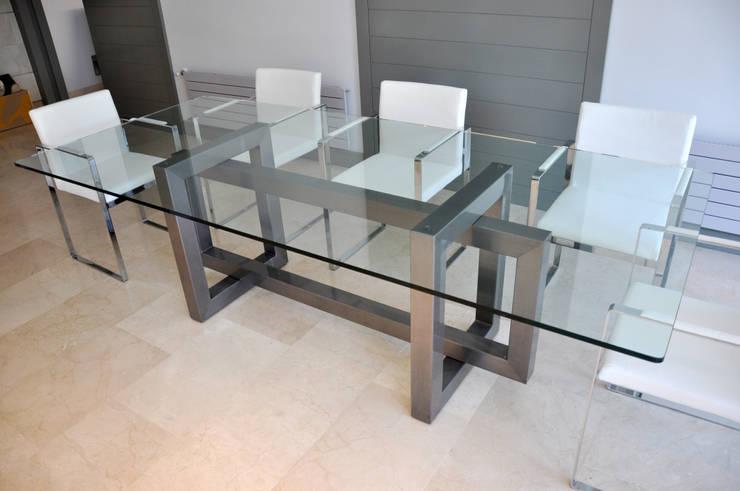 L nea alto dise o mesas de comedor de gonzalo de salas for Comedores minimalistas de cristal