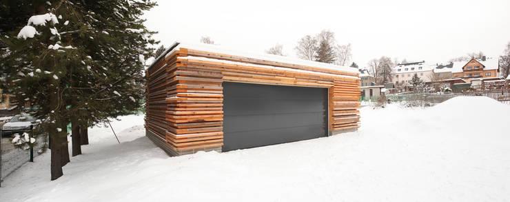 10 fant sticos garajes con madera for Garajes originales