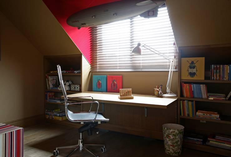 Hacer la tarea reas de estudio en el cuarto infantil for Estudiar interiorismo