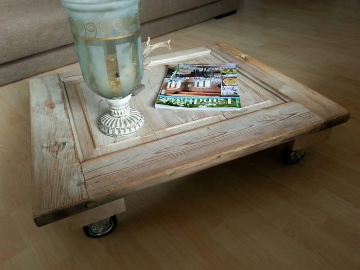 tische mit individuellem touch. Black Bedroom Furniture Sets. Home Design Ideas