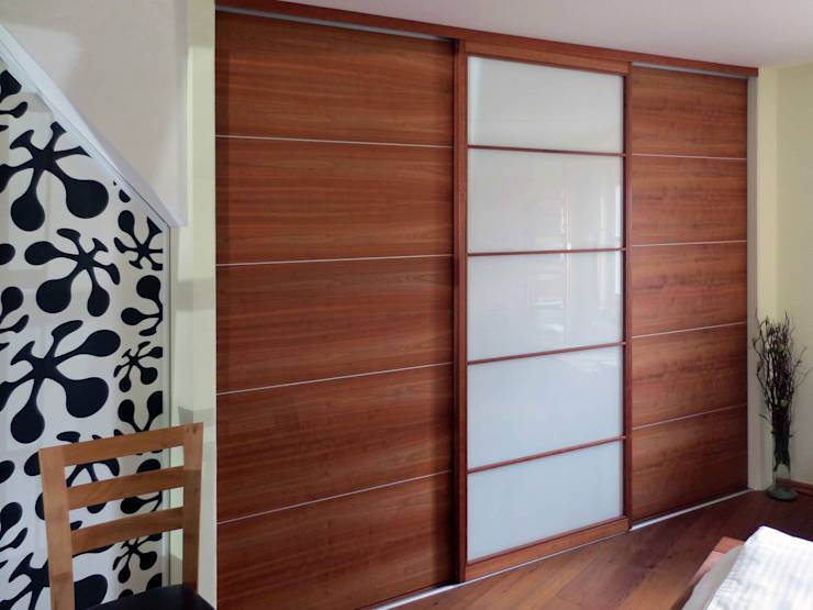schiebet ren raumteiler von lignum schreinerei gmbh homify. Black Bedroom Furniture Sets. Home Design Ideas
