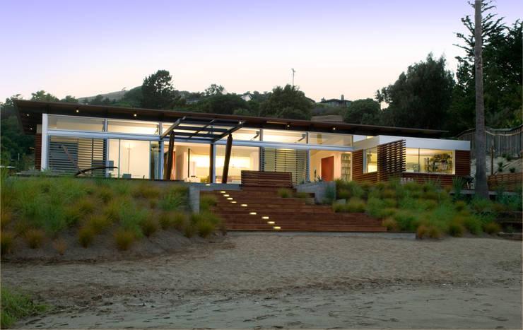 Tiburon house una villa sulla spiaggia for Case in stile cottage sulla spiaggia