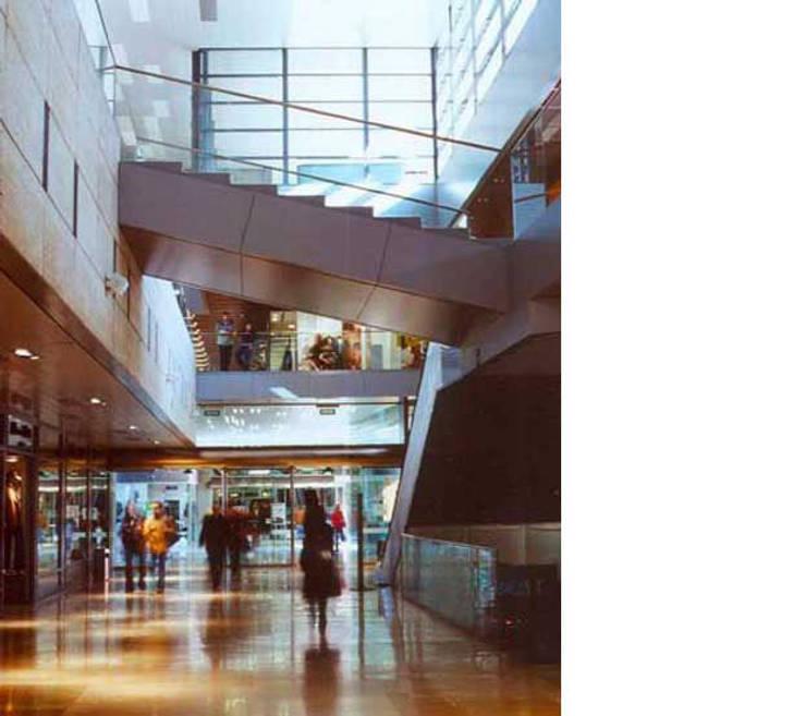 Centro comercial l 39 illa diagonal de octavio mestre - Centro comercial illa diagonal ...