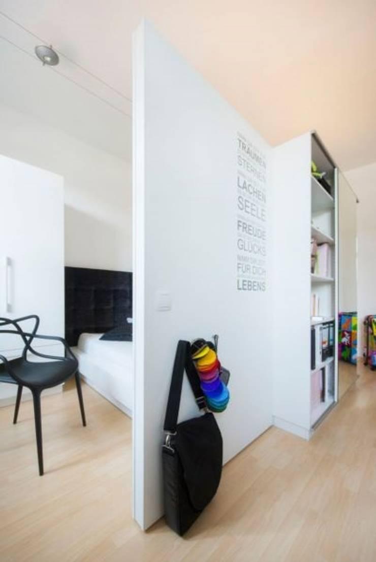b ro und schlafzimmer in einem von tr ume ideen raum geben homify. Black Bedroom Furniture Sets. Home Design Ideas