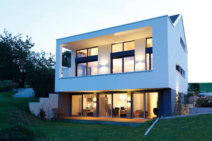 La casa in salita for Piani di casa per case costruite su una collina