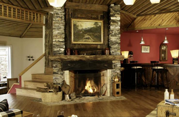 Al calor del hogar 10 espacios con chimeneas r sticas - Hogar del mueble ingenio ...