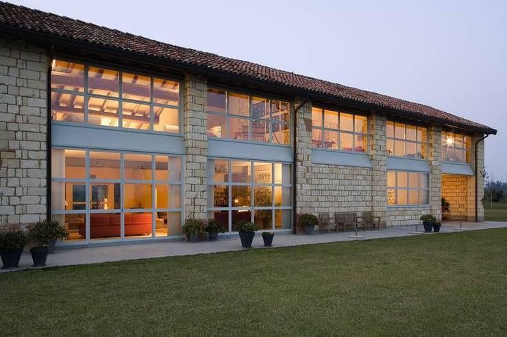 L evoluzione della casa in campagna for Piani casa fienile