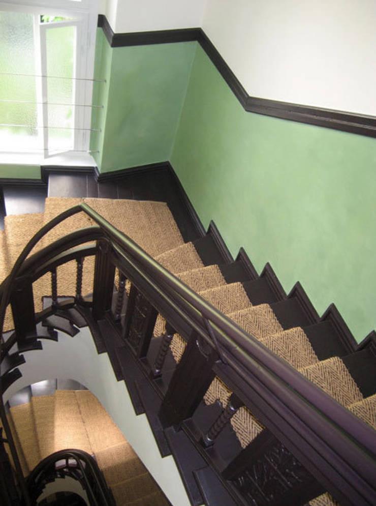 treppenhaus wandgestaltung von atelier wandlungen homify. Black Bedroom Furniture Sets. Home Design Ideas