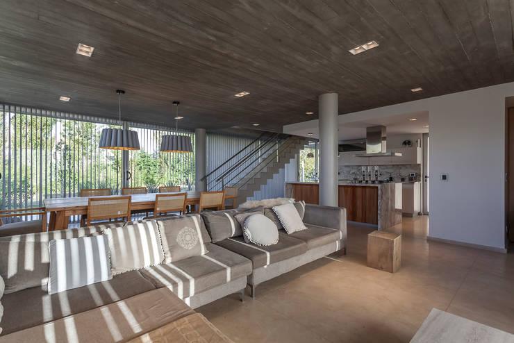 modern Living room by ESTUDIO GEYA