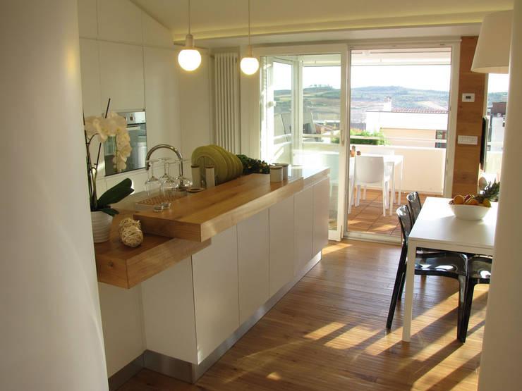 Piccolo attico open space di francesco cardano interior for Open space moderni