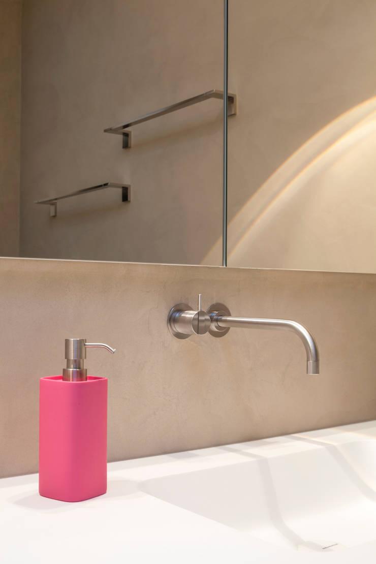 fugenloses bad mit beton cir penthouse k ln von. Black Bedroom Furniture Sets. Home Design Ideas