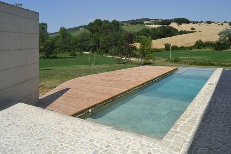 Realizzazione piscine castiglione in un casale nelle - Piscina castiglione ...