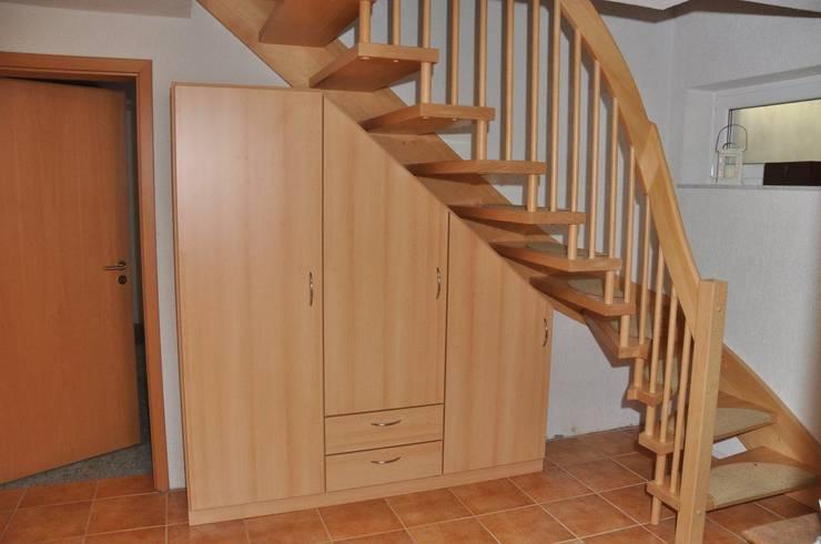 schr nke f r dachschr gen von schrankplaner gmbh homify. Black Bedroom Furniture Sets. Home Design Ideas