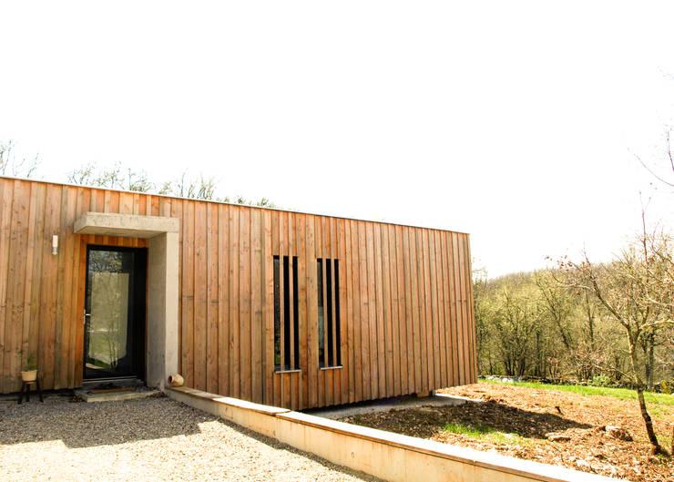 Maisons en bois un rev tement contemporain for Architecte lattes