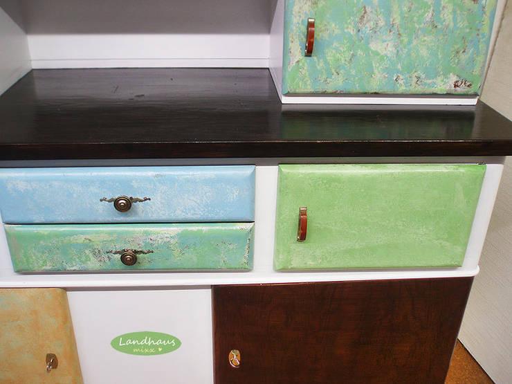 gro er vintage k chenschrank ella shabby chic von landhausmixx homify. Black Bedroom Furniture Sets. Home Design Ideas