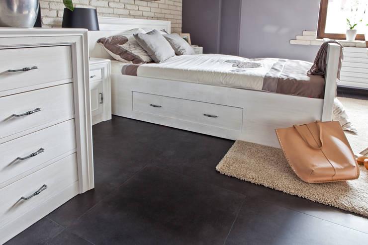 modernes bett aus massivholz von massivholzm bel rose homify. Black Bedroom Furniture Sets. Home Design Ideas