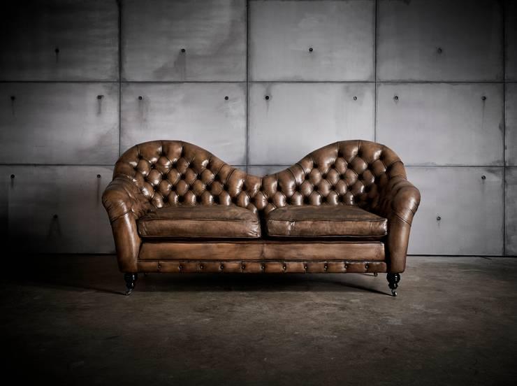 chesterfield o sof que um cone. Black Bedroom Furniture Sets. Home Design Ideas