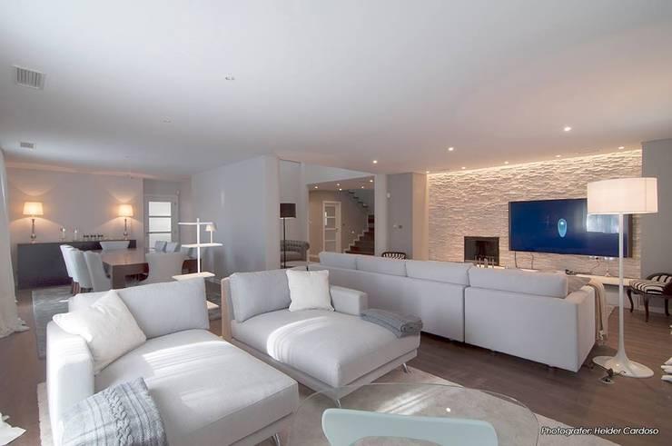 Ideias Para Sala De Estar Moderna ~ Sala Comum Salas de estar modernas por Stoc Casa Interiores