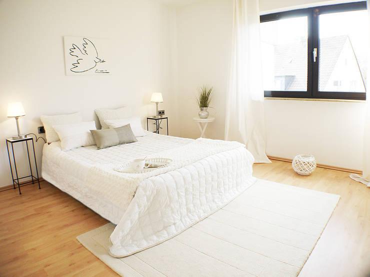 10 espectaculares dormitorios donde triunfa el blanco. Black Bedroom Furniture Sets. Home Design Ideas