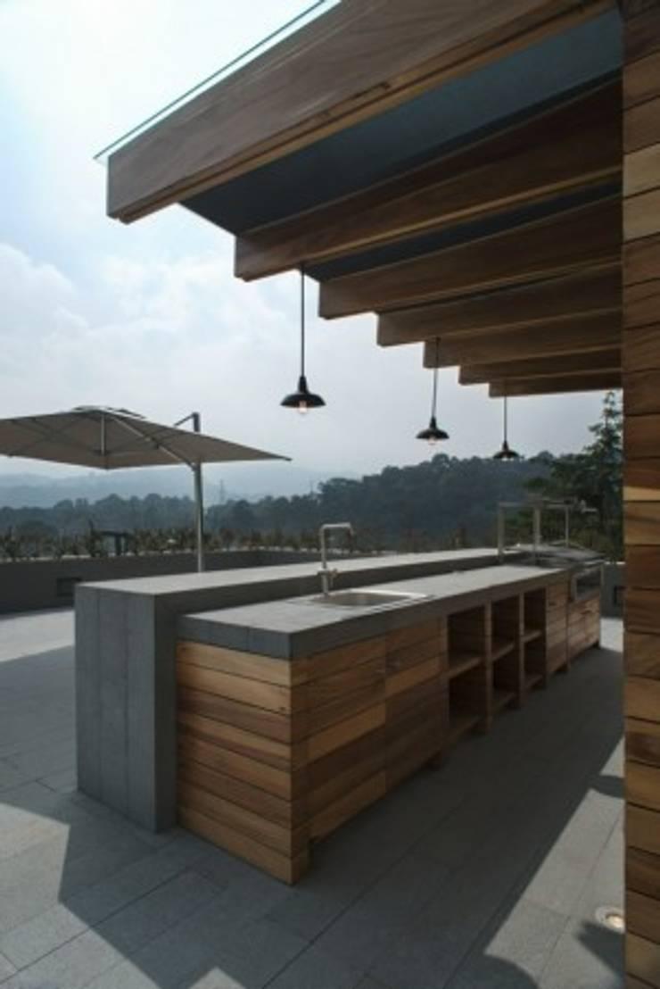 Hipico de rhyzoma arquitectura y dise o homify for Barra de bar exterior