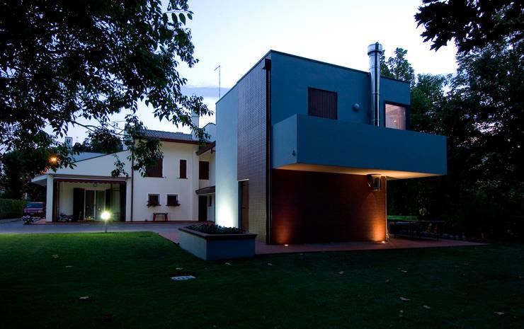 Ampliamento casa unifamiliare di studio di progettazione e grafica giorgio da villa homify - Ampliamento casa ...