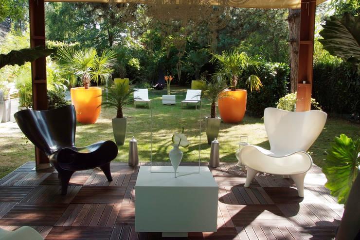 20 superbes designs de jardin for Mobilier jardin contemporain