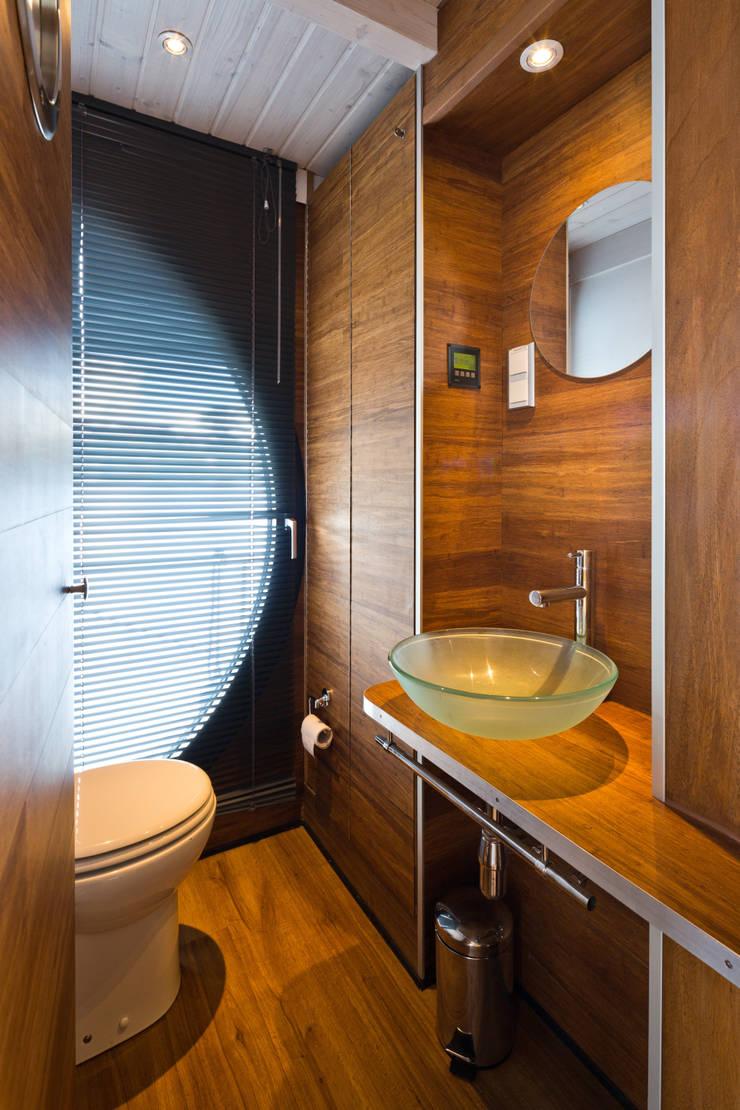 nautilus hausboote gmbh nautilus homify. Black Bedroom Furniture Sets. Home Design Ideas